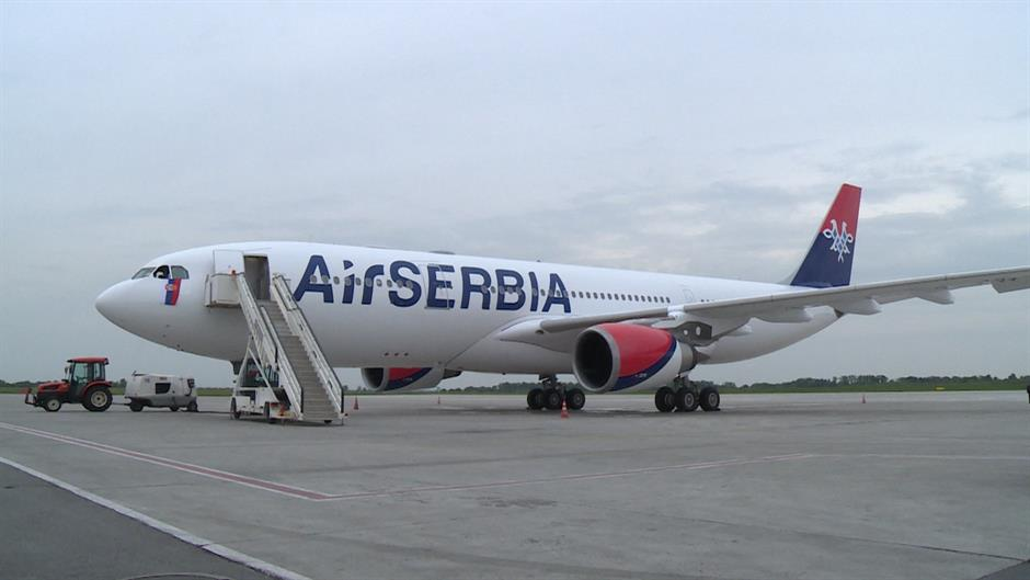 Avion Er Srbije prinudno sleteo na Kipar
