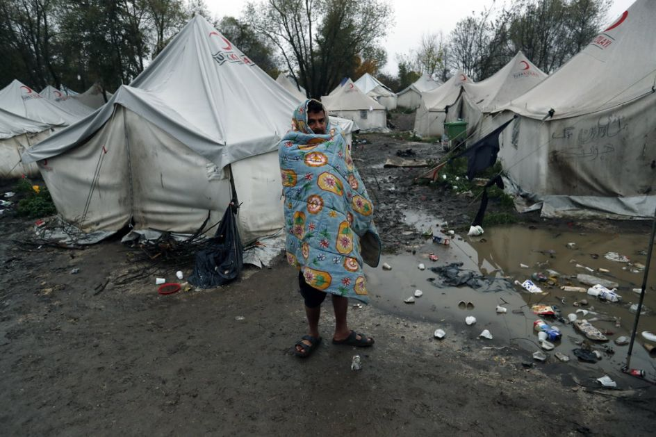 Avramopulos upozorio BiH na humanitarnu krizu sa migrantima