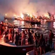 BAKLJADA KAO NA DERBIJU: Crnogorski Srbi poslali jasnu poruku sa Jadrana, 40 barki na litiji (VIDEO)