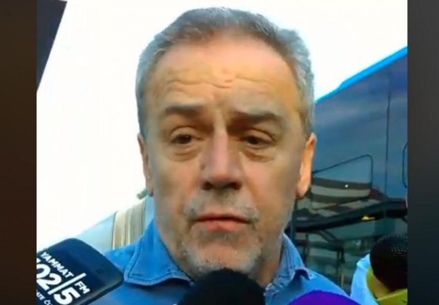 BANDIĆ POZVAO NOVINARE U PARK, DOŠLA POLICIJA: Razdvajali prisutne na propisanu udaljenost zbog korone! (VIDEO)