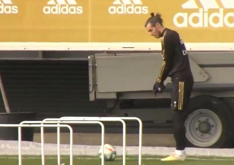 BEJL PONOVO DIGAO BURU U MADRIDU: Navijači besni na Velšanina! Pogledajte šta je Geret uradio na treningu Reala (VIDEO)