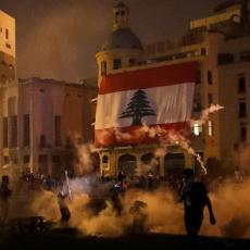 BEJRUT EPICENTAR NEREDA! Sukobi se nastavljaju: Demonstranti nasilno upali u zgrade DVA LIBANSKA MINISTARSTVA