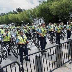 BELA KUĆA POD BUDNIM OKOM POLICIJE TOKOM CELOG DANA: Šta je to uplašilo američke vlasti? (FOTO/VIDEO)
