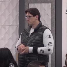 BESAN IZLETEO NAPOLJE! Kristijan ga uhvatio u mašinu! Proziva ga da je gej - objasnio na PRIMERU! (VIDEO)