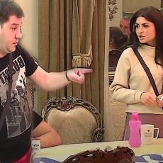 BEŽI BRE BUDALO! Ivan i Jelena u ŽESTOKOM OKRŠAJU, ona UŽASNUTA njegovim ponašanjem: Iživljava se!