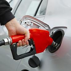 BEZOLOVNI BENZIN ODLAZI U ISTORIJU? Vozači u Evropi zabrinuti, hiljade vozila nije kompatibilno sa novim gorivom