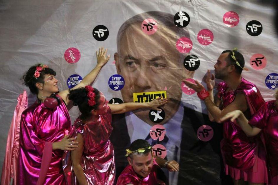 BIBI ĆAO! Izraelci izašli na ulice da proslave što Netanijahu odlazi sa vlasti VIDEO
