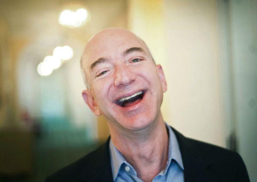 BIĆE JOŠ BOGATIJI: Bezos prodao akcije Amazona u vrednosti od 2,5 milijarde dolara!