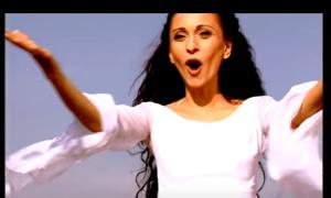 BILA JE VELIKA ZVEZDA 90-tih: Pevačica je danas PROMENILA IME i ZANIMANJE (FOTO/VIDEO)