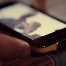 BIOSKOP U DŽEPU! Ovaj telefon je imao sjajan DODATAK koji nažalost nije zaživeo (VIDEO)