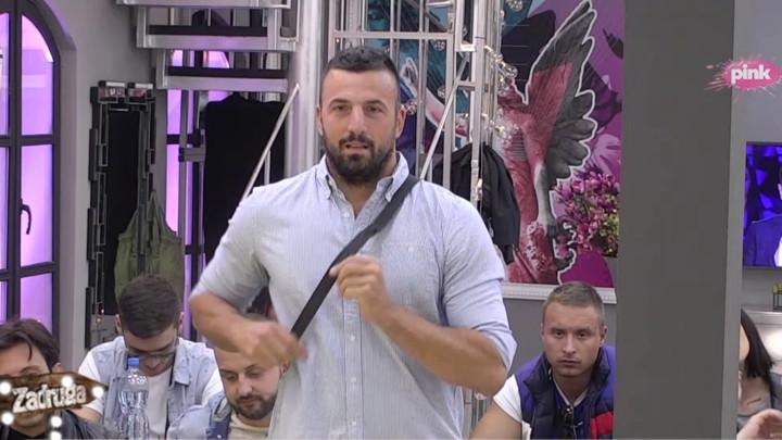 BIRA DEVOJKE KOJE LIČE NA STANIJU? Vladimir Tomović otkrio koja ga zadrugarka najviše podseća na njegovu bivšu! (VIDEO)