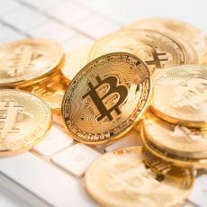 BITKOIN PONOVO JURI NEBO KRIPTOVALUTA: Digitalni novčić zabeležio novi rast ali eterijum mu je za petama