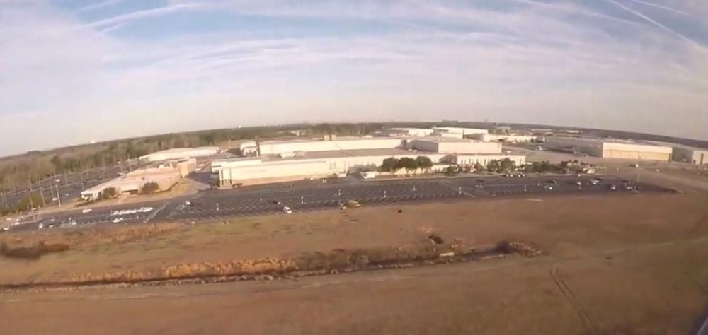 BIZARNO! ČETVORO SAHRANJENO NA AERODROMSKOJ PISTI: Piloti tvrde da svako veče VIĐAJU DUHOVE POKOJNIKA pored staza za sletanje (FOTO, VIDEO)