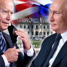 BLINDIRANI, NEPROBOJNI I OPREMLJENI TAJNIM UREĐAJIMA! Putinov Aurus i Bajdenova zver Kadilak