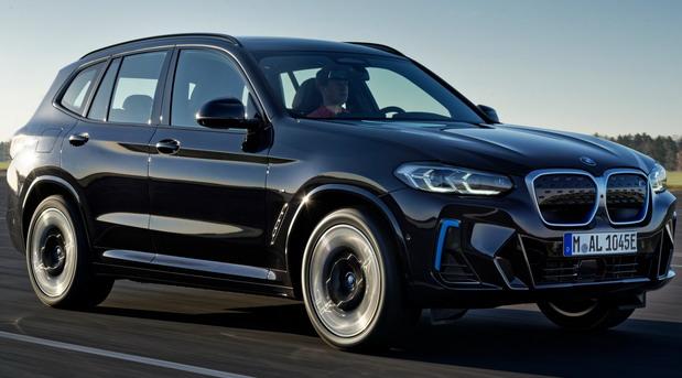 BMW nudi funkciju daljinskog startovanja motora i za starije modele