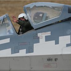 BOGDAN NAPRAVIO SPEKTAKL, RASPAMETIO RUSE: Seo u Su-57, izveo neviđeno, svi oduševljeni, superlovac pokidao! (VIDEO)