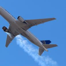 BOING U PROBLEMU: Pronađeni tragovi zamora metala na jednom modelu, suspenzija za 128 aviona