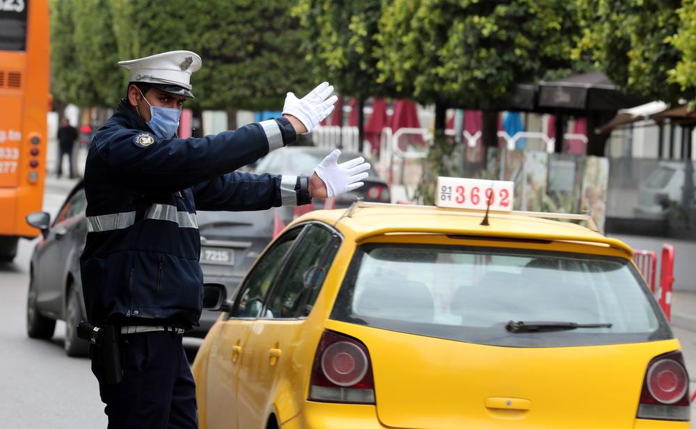 BOJAN IZ ŽITORAĐE POGINUO U STRAVIČNOJ NESREĆI U TUNISU: Taksiju pukla guma, otvorila se vrata, on ispao i poginuo