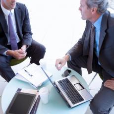 BONTON U POSLOVNIM ODNOSIMA: Da li znate ko kome pruža prvi ruku i kako se pravilno pišu mejlovi?