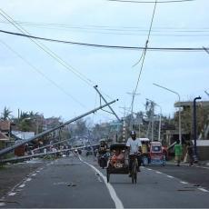 BORBA FILIPINA SA METEOROLOŠKIM NEPOGODAMA NE JENJAVA: Evakuisano 68.000 ljudi!