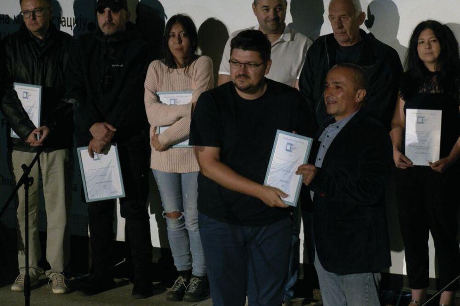 BORBA TEK PREDSTOJI, OVIM TEMAMA SE TREBA BAVITI: Novinar Kurir televizije Nemanja Stanković o prestižnoj nagradi koju je dobio