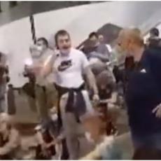 BOŠKO UHVAĆEN U LAŽI, NISU GA NAPALI! Demonstranti ga najstrašnije izvređali: Obradoviću, TI SI IZDAJNIK (VIDEO)