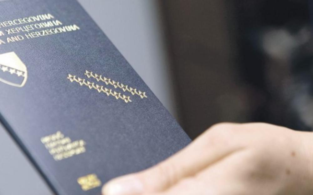 BOŠNJACI POSTAJU NEMCI, AUSTRIJANCI, ČESI: Skoro 90.000 građana se odreklo državljanstva BiH