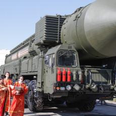 BOŽE, BLAGOSLOVI OVU - NUKLEARKU: U Ruskoj crkvi velika debata o tome da li treba osveštati i oružje