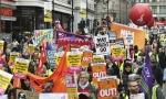 BRITANIJA JE SLOMLjENA: Stotine se okupile u Londonu, inspirisane Žutim prslucima