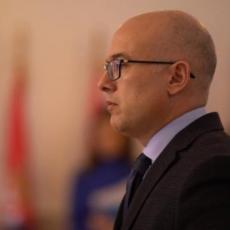 BROJ ZARAŽENIH NE OPADA: Gradonačelnik Novog Sada apeluje svim građanima da poštuju novouvedene mere