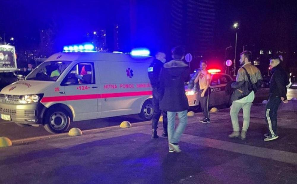 BRUTALNI OBRAČUN MIGRANATA U SARAJEVU: U ziči u tržnom centru jedan dobio jezive rane od noža (UZNEMIRUJUĆI FOTO)