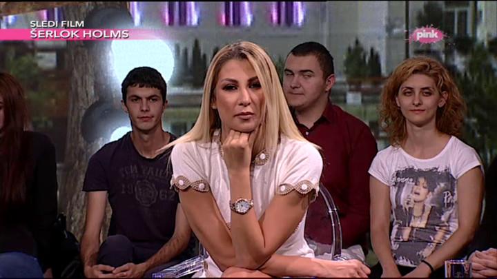 BUDI PONOSNA I DIGNI GLAVU: Gledateljka počela da PLAČE i pružila reči podrške Nadeždi, ona joj se OD SRCA zahvalila! (VIDEO)