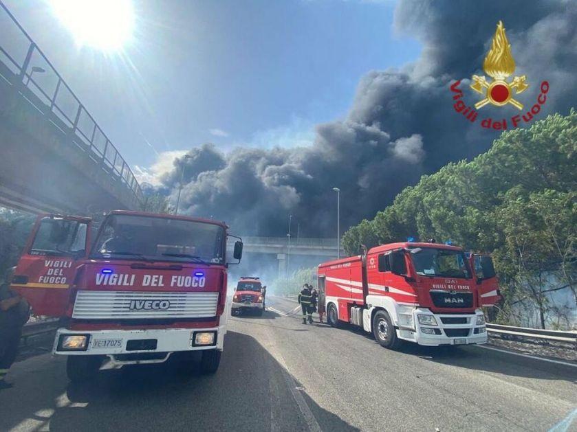 BUKTE POŽARI U ITALIJI Najmanje 5 povređeno u Peskari, devojčica završila u bolnici, 800 ljudi evakuisano iz svojih domova VIDEO