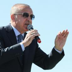 BUKTI RAT IZMEĐU DVOJICE LIDERA: Erdogan ispaljuje uvredu za uvredom, a Makron u tišini povlači poteze