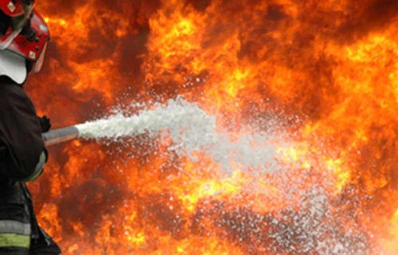 Bačen Molotovljev koktel na restoran u Savamali, izbio požar