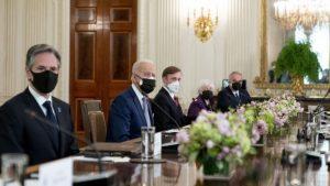 Bajden i Suga potvrdili američko-japansko partnerstvo u odnosu prema Kini