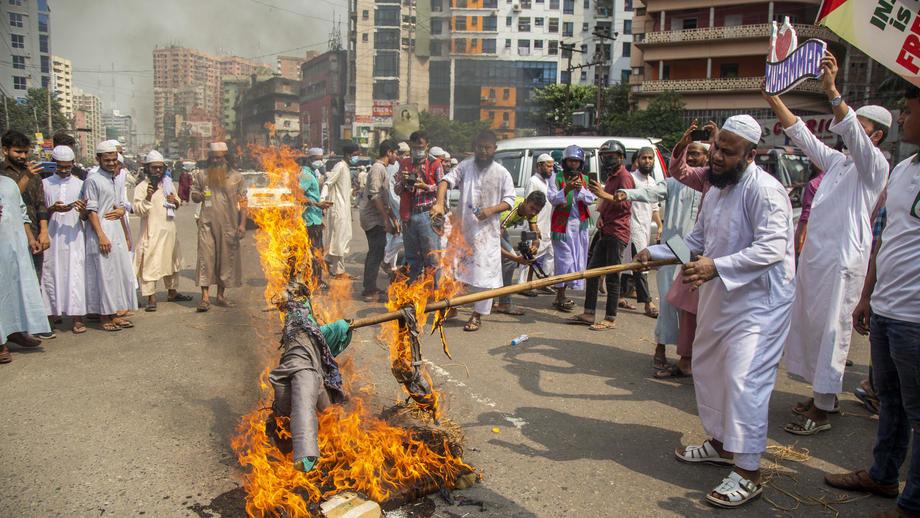 Bangladeš: Policija ubila najmanje 5 radnika na protestima