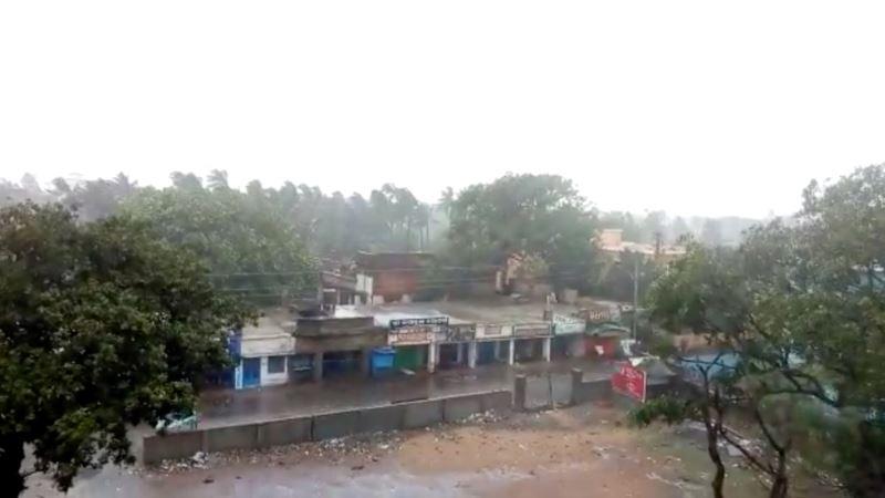 Ciklon prijeti Bangladešu, evakuacija skoro pola miliona ljudi