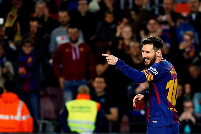 Barsa i Sevilja se bore za prvi trofej u sezoni, ovo su startne postave, a pogledajte kako je Leo Mesi dočekan! (video)