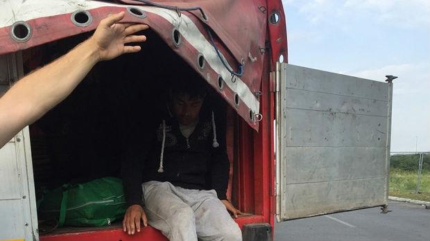Batrovci, otkriveno 14  migranata među robom u kamionima