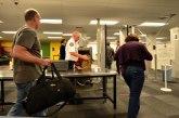 Beba pronađena na aerodromu - sve putnice skinute s leta da prođu rigorozne preglede VIDEO