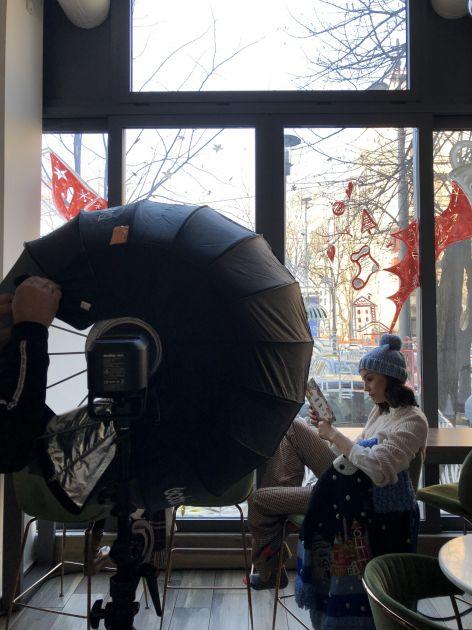 Behind the scenes: Comfy winter vibes u novom editorijalu magazina Lepota i zdravlje