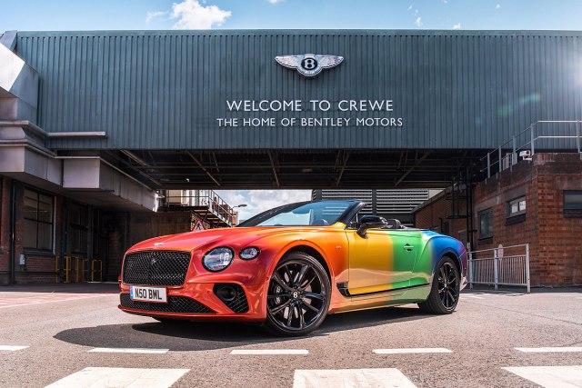 Bentley i BMW u duginim bojama poslali važnu društvenu poruku FOTO