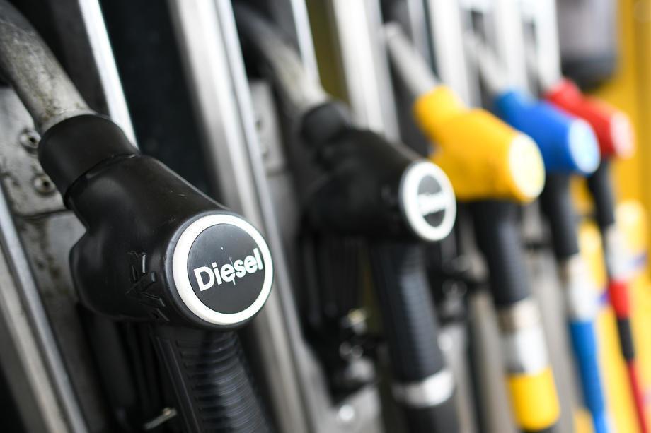 Benzinske pumpe širom Britanije presušile; Vlada neće angažovati vojsku za isporuke goriva