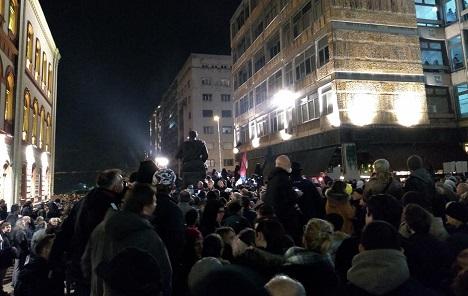 Beograd: Hiljade ljudi na protestnoj šetnji protiv nasilja Vučićeve vlasti
