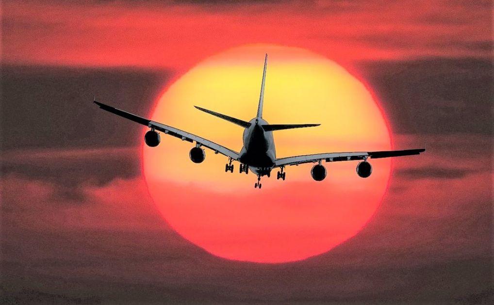 Berlin: Dve osobe poginule u padu malog aviona
