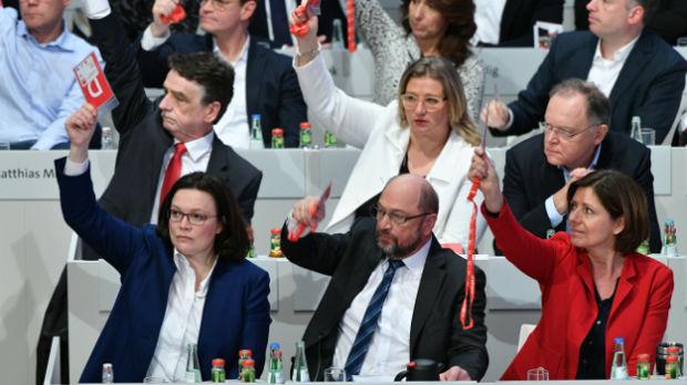 Berlin, socijaldemokrate glasale za ulazak u koalicione pregovore