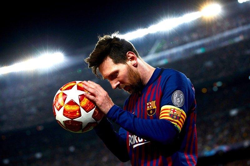 Bertomeu: Mesi će završiti karijeru u Barseloni