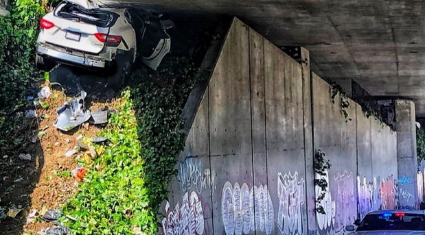 Bežao policiji: Ovako izgleda Maserati Levante nakon što se sa 160 km/h zabio ispod nadvožnjaka