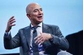 Bezos: Hvala radnicima i kupcima Amazona, vi ste platili moj let u svemir